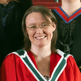 Dr Tracy Warner
